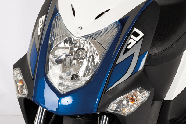 Skútr 50ccm - Kymco Agility 50 | LED přední světlomet